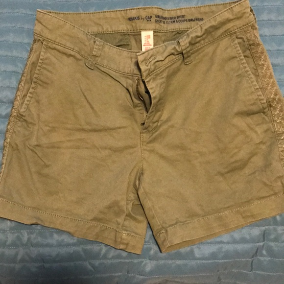 GAP Pants - Gap Girlfriend 5inch Short